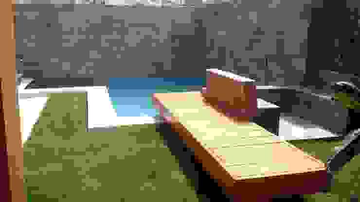 Piscina con Puente de madera, Valle Lo Campino de Piscinas con Diseño Chile Moderno