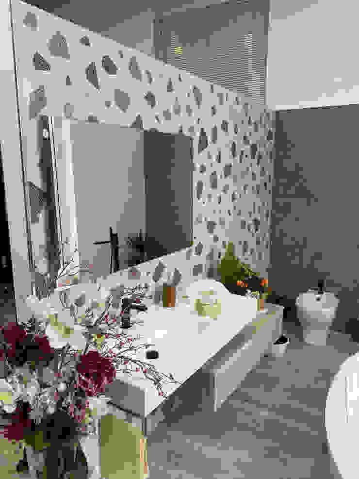 Bagno completo con mobile in legno e ocritech , vasca , sanitari e accessori in legno F.lli Granato s.r.l. BagnoBagno di servizio Legno