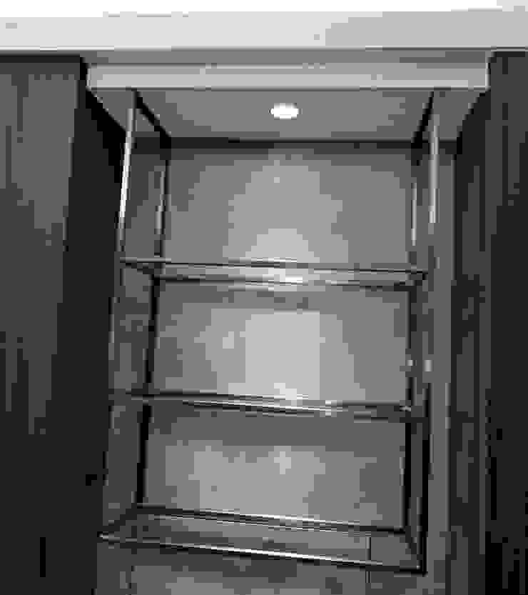 鍍鈦吊櫃: 產業  by 宇堂室內裝修有限公司, 工業風 金屬