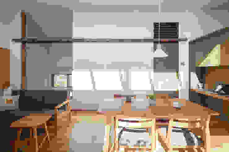 HAN環境・建築設計事務所 Modern living room White