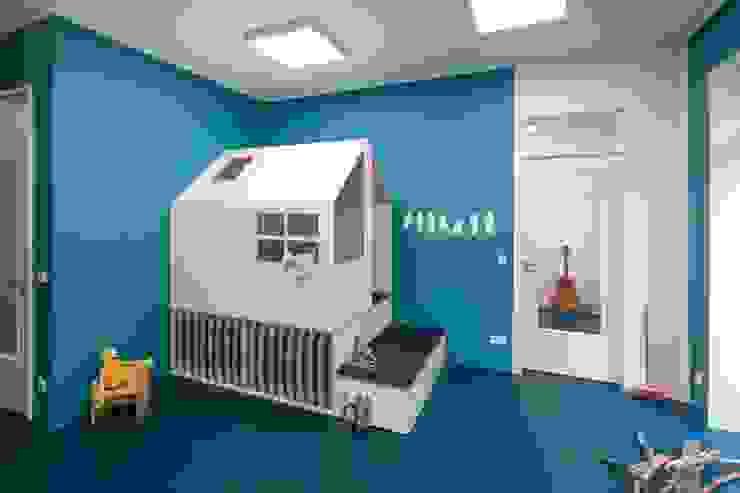 SPIELHAUS _WERKSTATT FÜR UNBESCHAFFBARES - Innenarchitektur aus Berlin Moderne Schulen