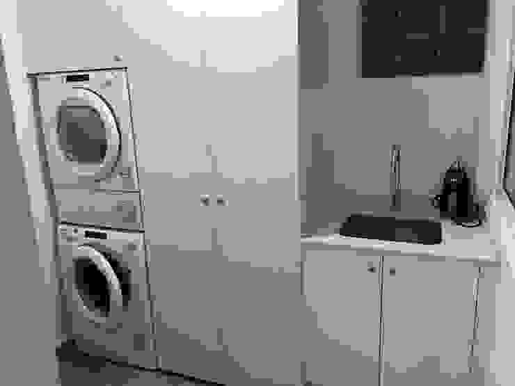 Anexo cocina zona lavadero Lala Decor HomeStaging & Reformas Integrales de pisos Cocinas de estilo moderno Blanco