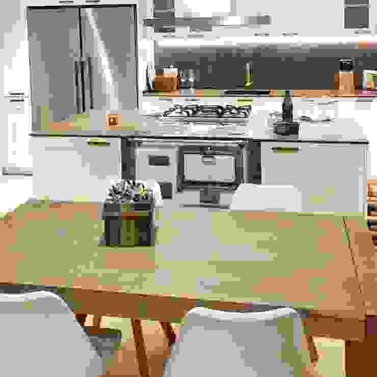 Cocina reformada Lala Decor HomeStaging & Reformas Integrales de pisos Cocinas integrales