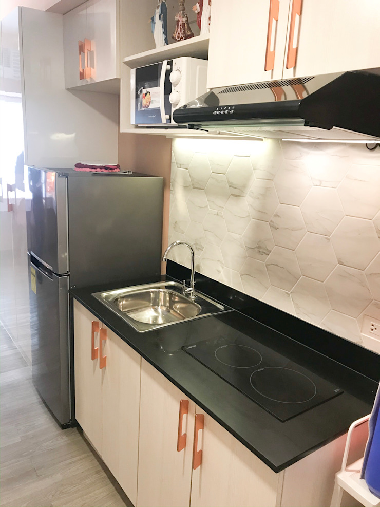 The Pink Dorm CIANO DESIGN CONCEPTS Small kitchens White