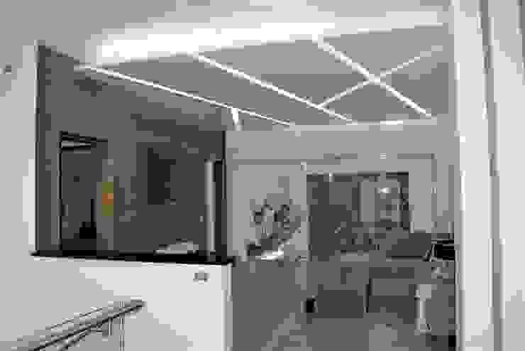 ESTAR TV Salas modernas de arketipo-taller de arquitectura Moderno