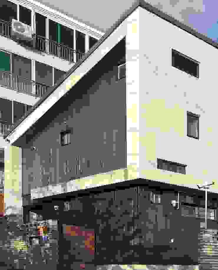 해운대 쌍둥이네 단독주택 by 디자인랩 수 건축사사무소 미니멀 콘크리트