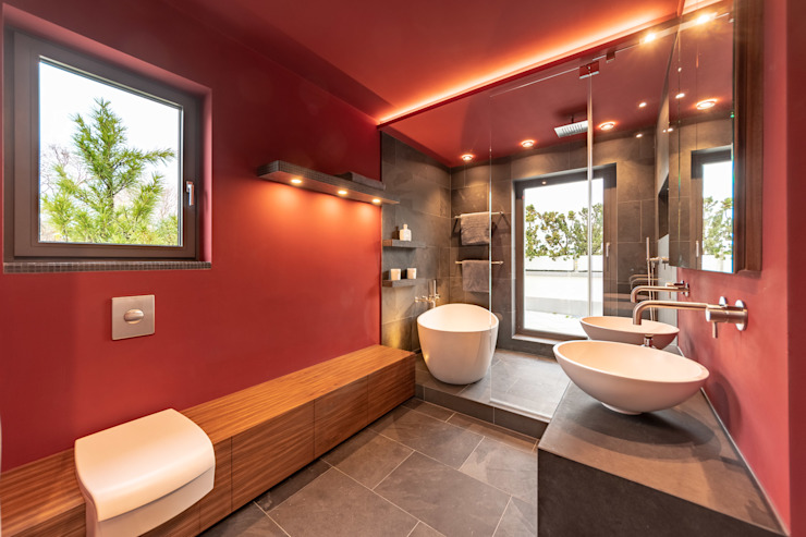Red With Slate Vivante Moderne Badezimmer Rot
