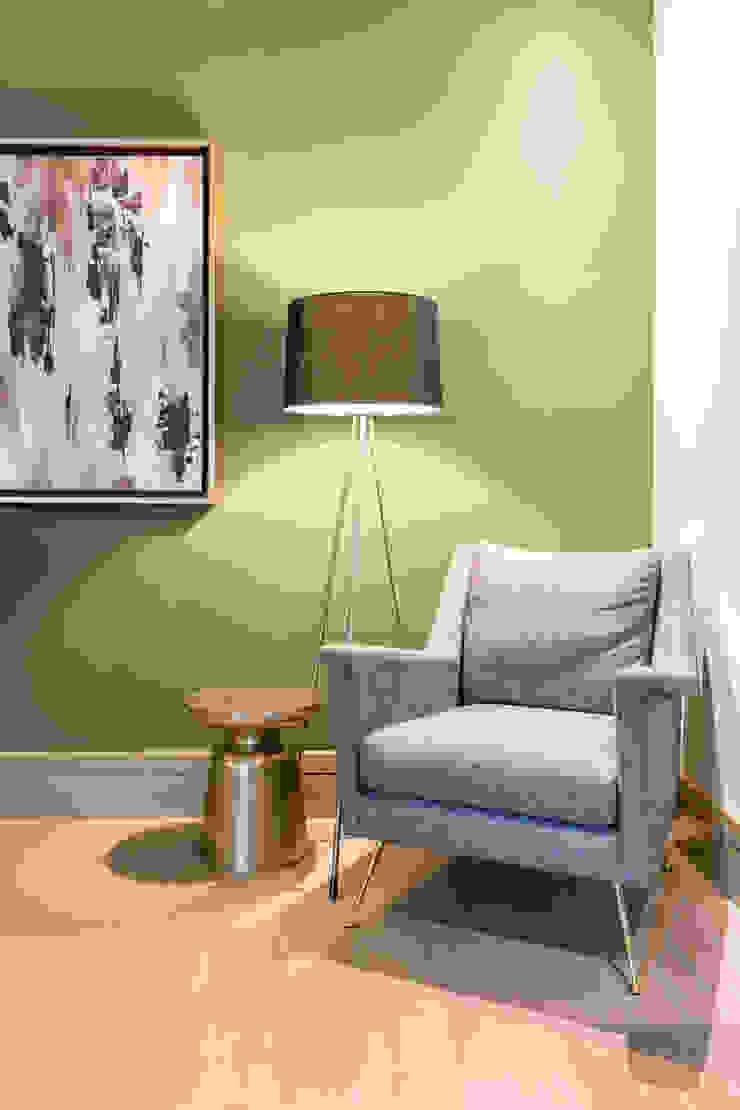 Modern style bedroom by ESTUDIO TANGUMA Modern