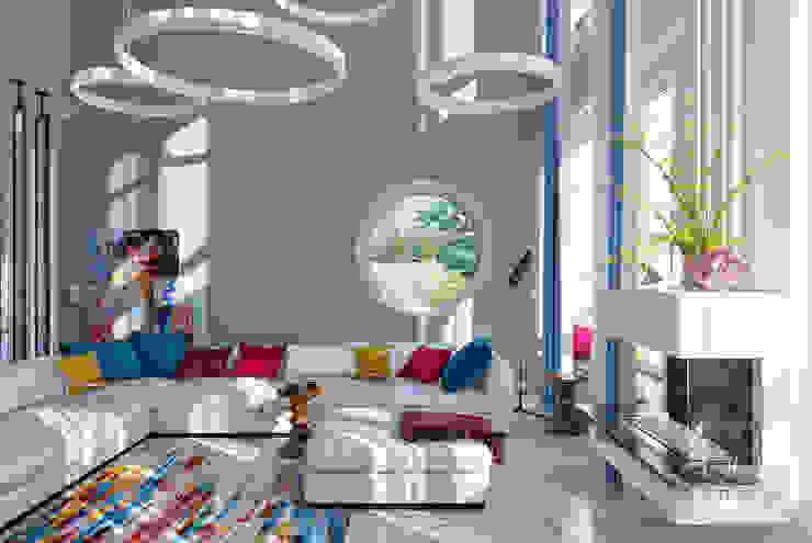 Интерьер гостиной со вторым светом и круглыми окнами. bait.INTERIOR Гостиная в стиле минимализм Серый