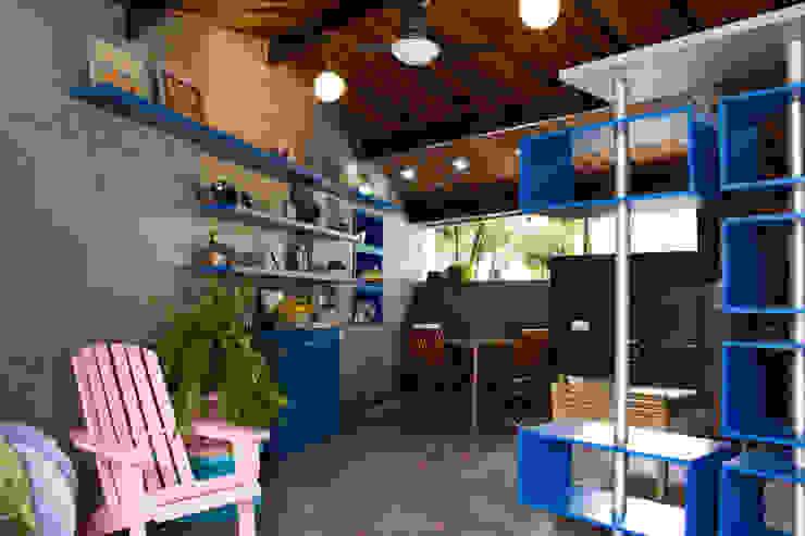 Modern Living Room by Studio Pedro Galaso Modern