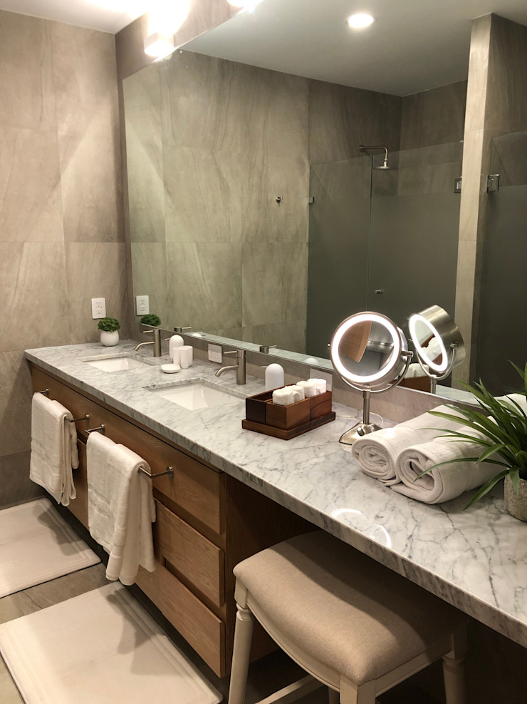 Main Bathroom Modern Bathroom by DE LEON PRO Modern