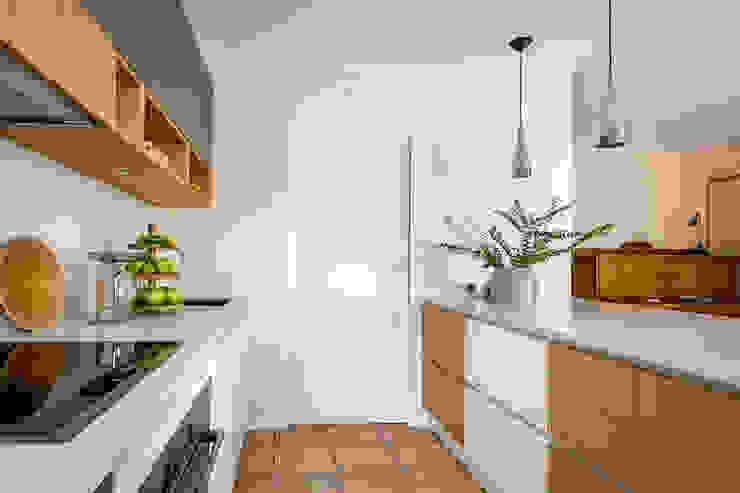 by CONSCIOUS DESIGN - INTERIORS Modern Ceramic