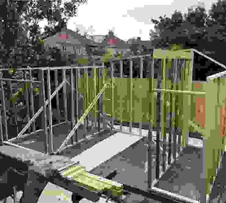 Bristol de Build Escapes