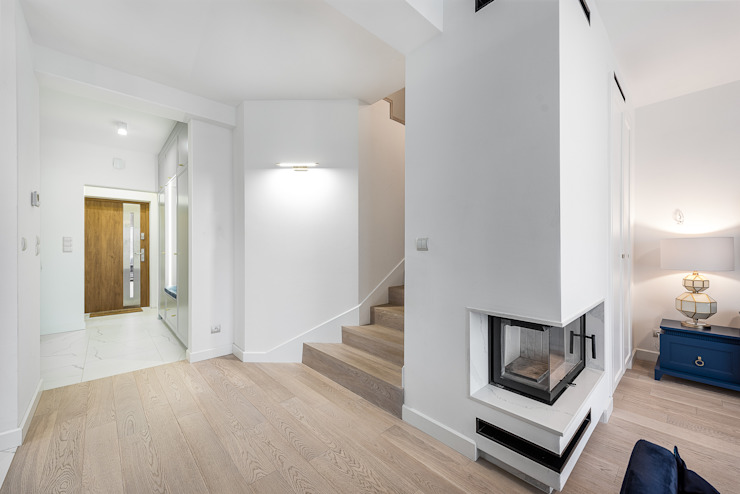 mily hol Nowoczesny korytarz, przedpokój i schody od livinghome wnętrza Katarzyna Sybilska Nowoczesny