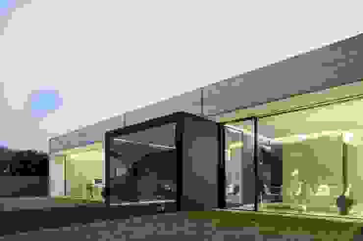 by lc[a] la croix [architekten] Iндустріальний Бетон