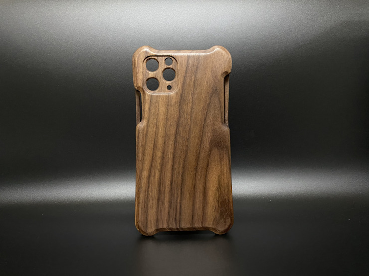 iPhone 11 Pro woodcase 胡桃木: 亞洲  by WKIDEA CO.,LTD., 日式風、東方風 實木 Multicolored