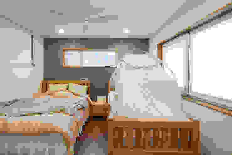 침실로서의 목적만을 지니게한 안방 모던스타일 침실 by 위드하임 모던