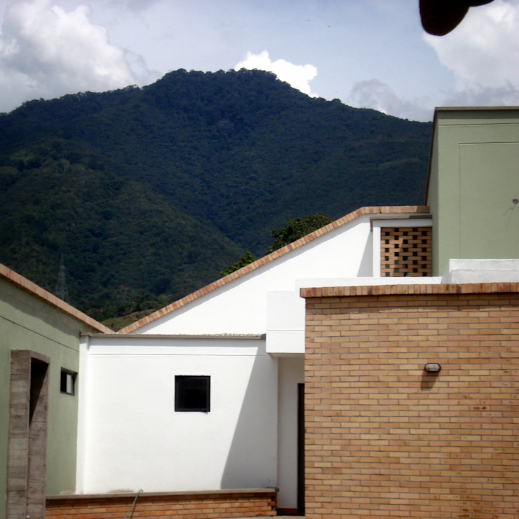 Casa R de A. Ordóñez Arquitectura Moderno