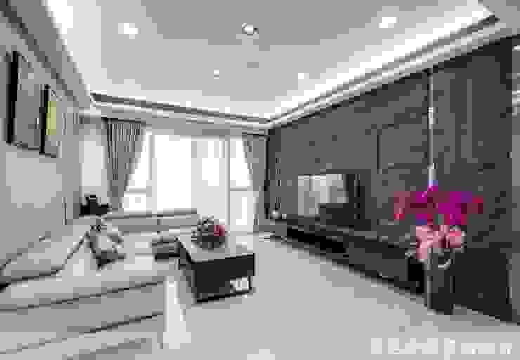 宜誠國玥-李公館 现代客厅設計點子、靈感 & 圖片 根據 采邑幸福室內設計 現代風