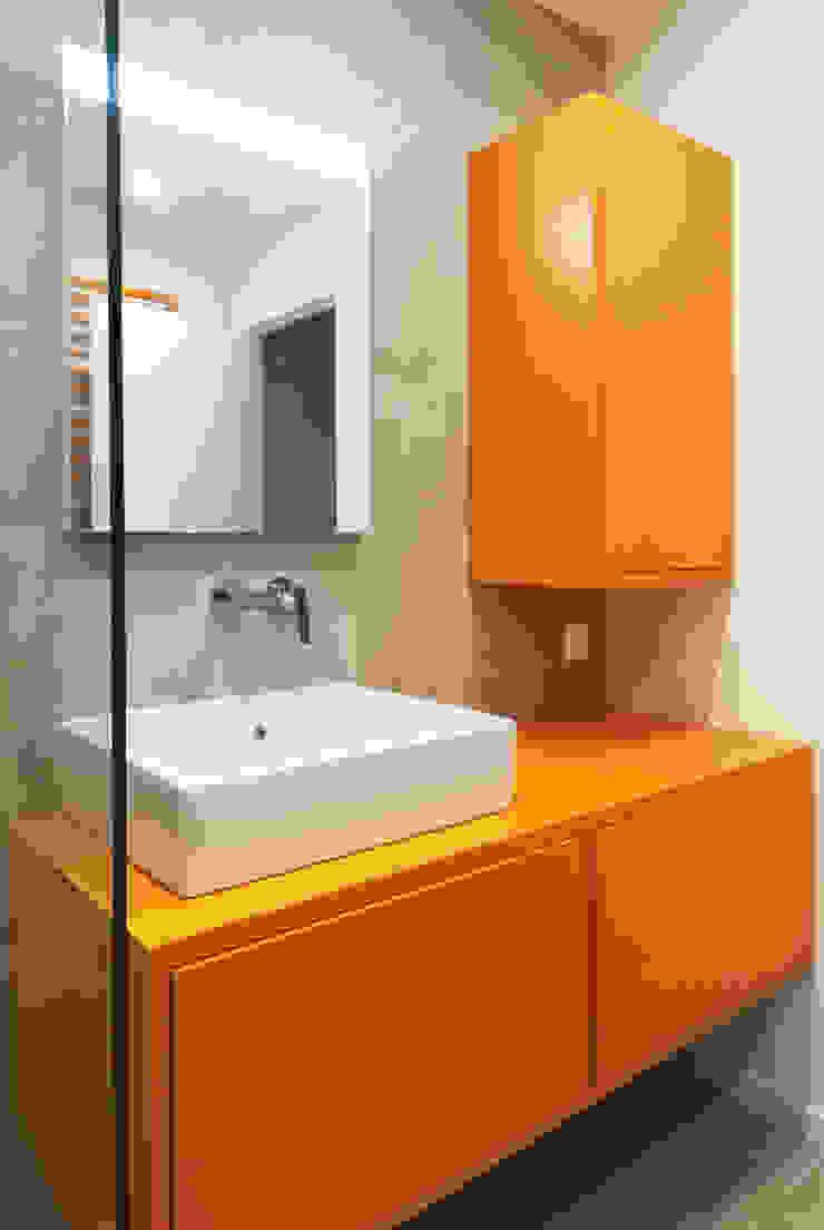 Lionel CERTIER - Architecture d'intérieur Kamar Mandi Modern