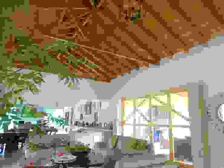 Casas y cabañas de Madera -GRUPO CONSTRUCTOR RIO DORADO (MRD-TADPYC) Roof