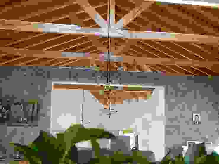Casas y cabañas de Madera -GRUPO CONSTRUCTOR RIO DORADO (MRD-TADPYC) Tetto