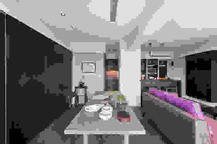 嘉禾社區設計案 Modern Living Room by 德力室內裝修有限公司 Modern
