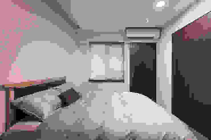 嘉禾社區設計案 Modern Bedroom by 德力室內裝修有限公司 Modern