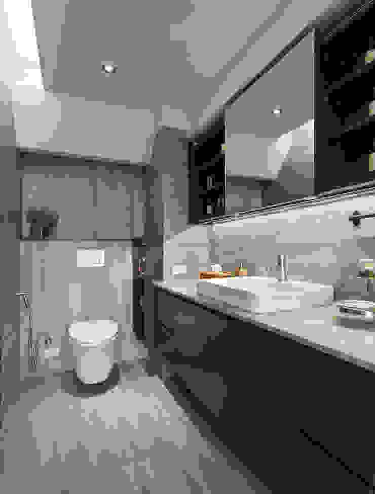嘉禾社區設計案 Modern Bathroom by 德力室內裝修有限公司 Modern