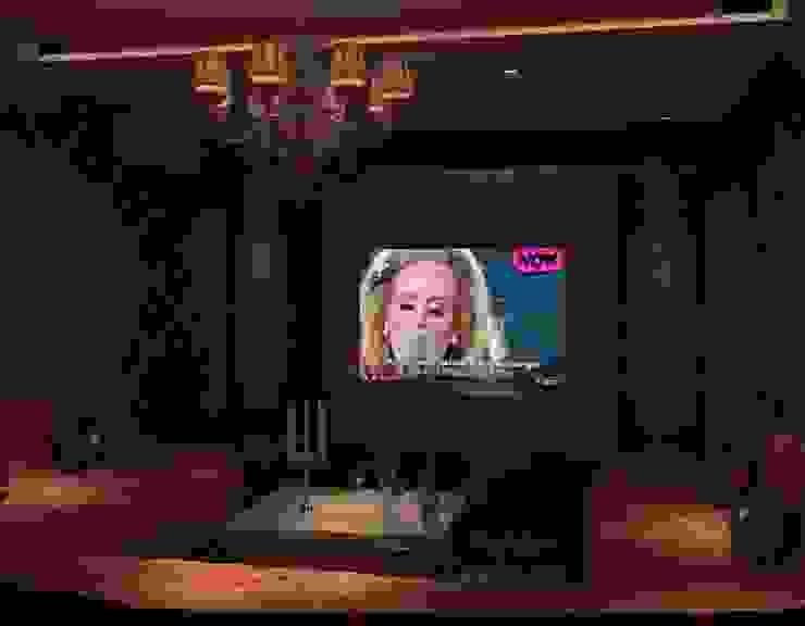 Norm designhaus Salas de entretenimiento de estilo clásico