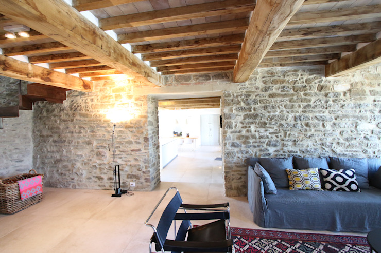 marco carlini architetto Country style living room
