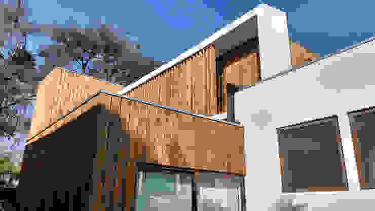 Fachada Norte de Martin Rojas Arquitectos Asoc. Moderno