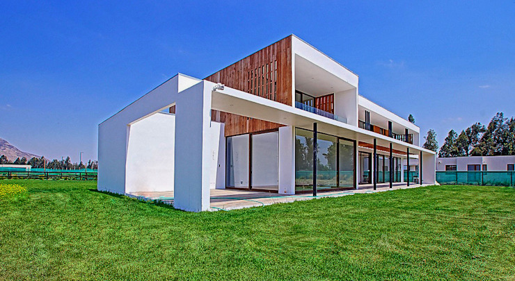 CASA LOS NOGALES, CHICUREO de Martin Rojas Arquitectos Asoc. Moderno