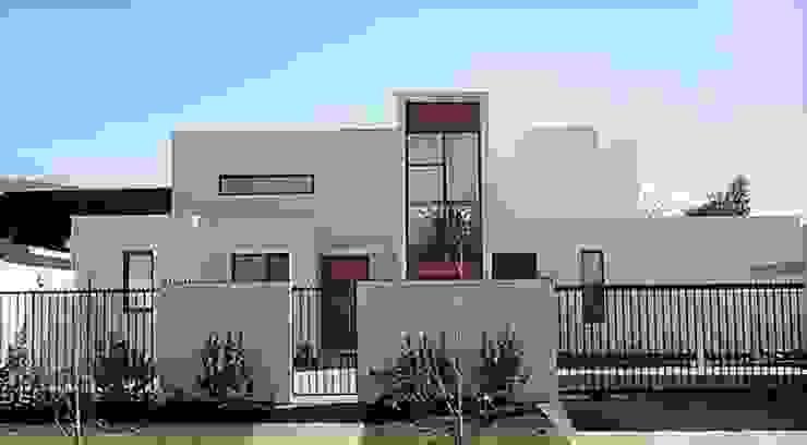 FACHADA SUR de Martin Rojas Arquitectos Asoc. Moderno Concreto