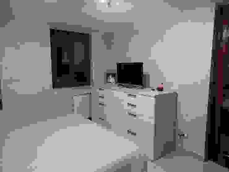 CAMERA MATRIMONIALE Architetto Paolo Cara Camera da letto moderna Grigio