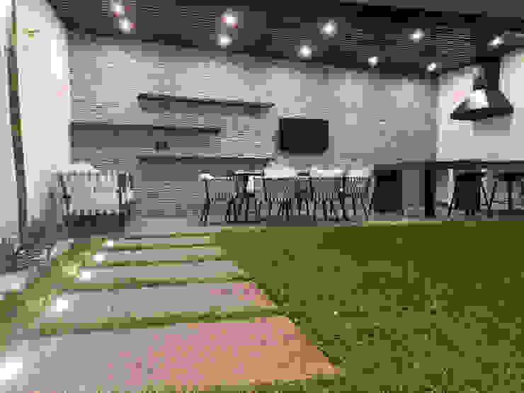 EM Arquitectura Modern garden