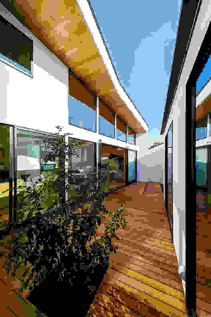 一級建築士事務所haus Balcones y terrazas de estilo escandinavo