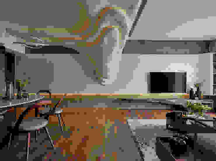 萬·花·園 现代客厅設計點子、靈感 & 圖片 根據 只設計部室內裝修設計工程有限公司 現代風