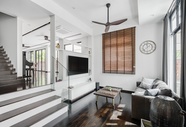 Jalan Tupai Minimalist living room by Summerhaus D'zign Minimalist