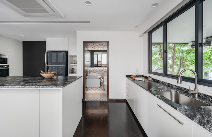 Jalan Tupai Minimalist kitchen by Summerhaus D'zign Minimalist