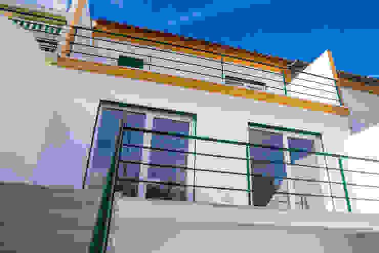 Decor-in, Lda Einfamilienhaus Beton Gelb