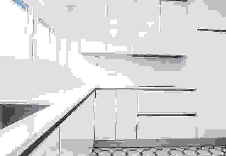 Decor-in, Lda Moderne Küchen Holz Weiß