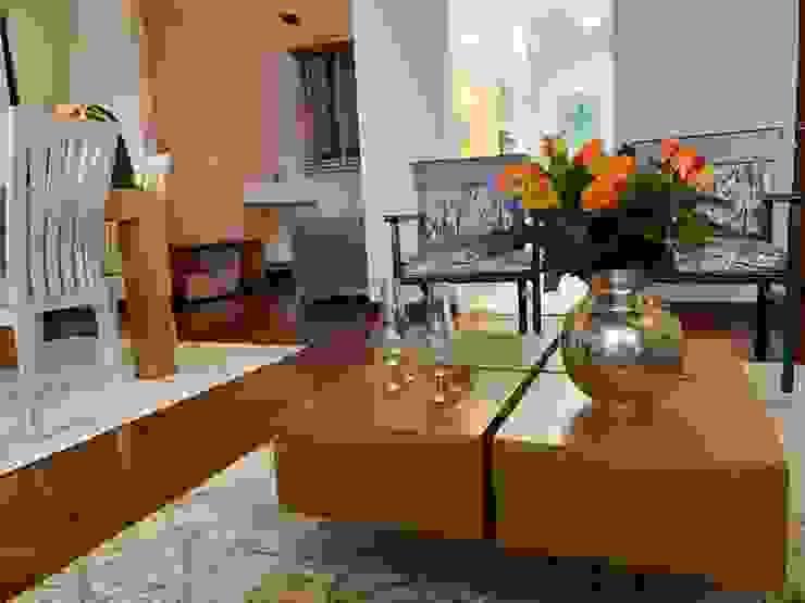 Renovación de muebles Salas modernas de ANA ESTRADA DISEÑO INTERIOR Moderno Madera Acabado en madera