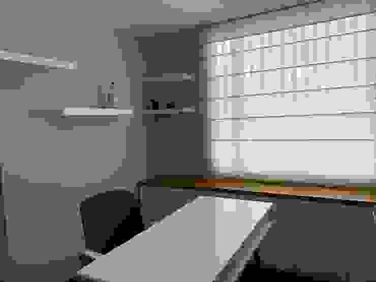 Estudio Estudios y despachos de estilo moderno de ANA ESTRADA DISEÑO INTERIOR Moderno Madera Acabado en madera