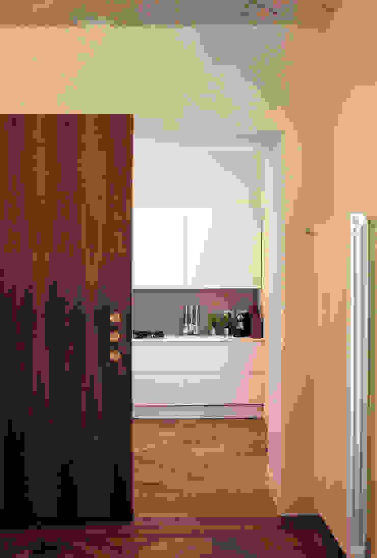 Moderne Küchen von Onice Architetti Modern