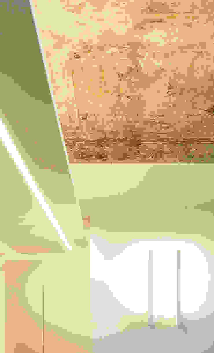 Moderne Wände & Böden von Onice Architetti Modern