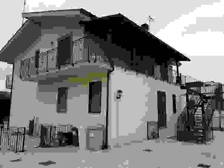 RISTRUTTURAZIONE ESTERNA Architetto Paolo Cara Casa unifamiliare Beige