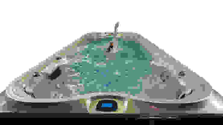 SwimSpa - Endless Pool by Jacuzzi® Piscina moderna di Aquazzura Piscine Moderno