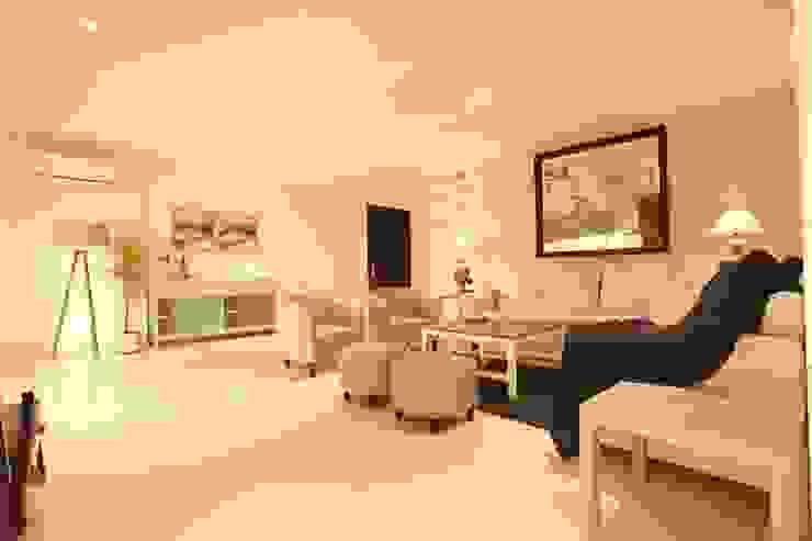Living oom Saloni Narayankar Interiors Modern Living Room Wood White