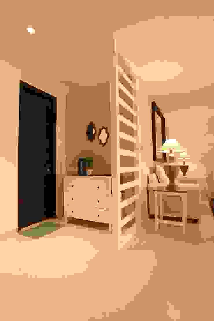 Foyer Saloni Narayankar Interiors Modern Living Room Plywood Grey